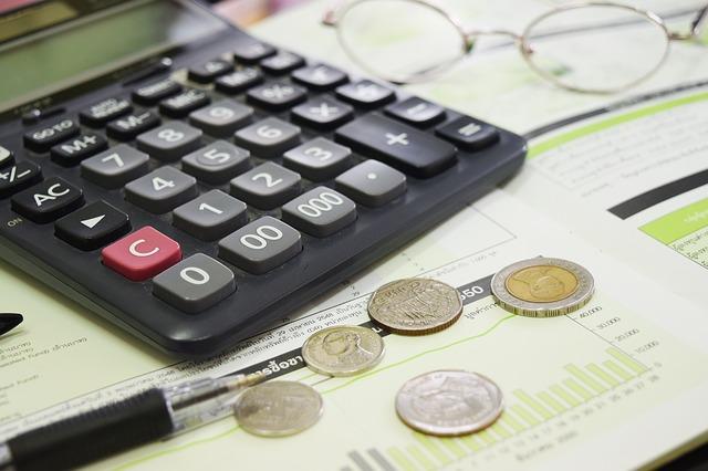 HI5003 Economics for Business